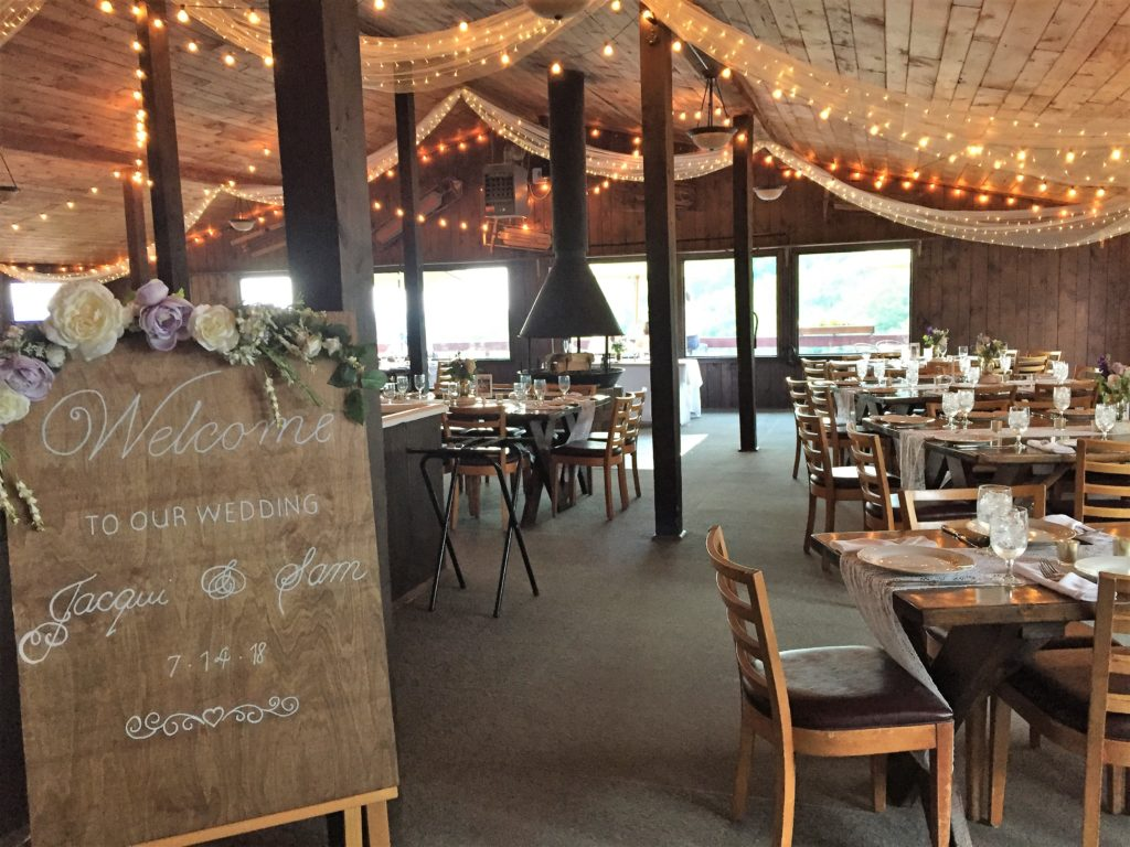 plattekill mountain lodge decorated for wedding